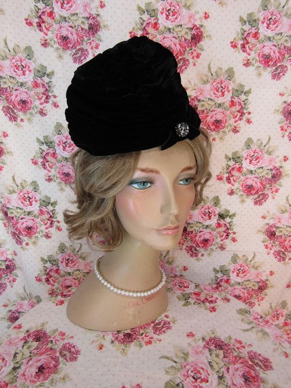 1940s hat Vintage Hat Vintage velvet Cloche Hat Vintage 1940s  849614c3fe44