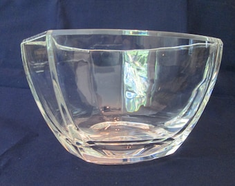 b049fade272d Vintage TIFFANY   Co. bowl  6 sided in clear CRYSTAL