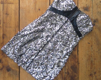 Vintage short strapless dress with silver sequins