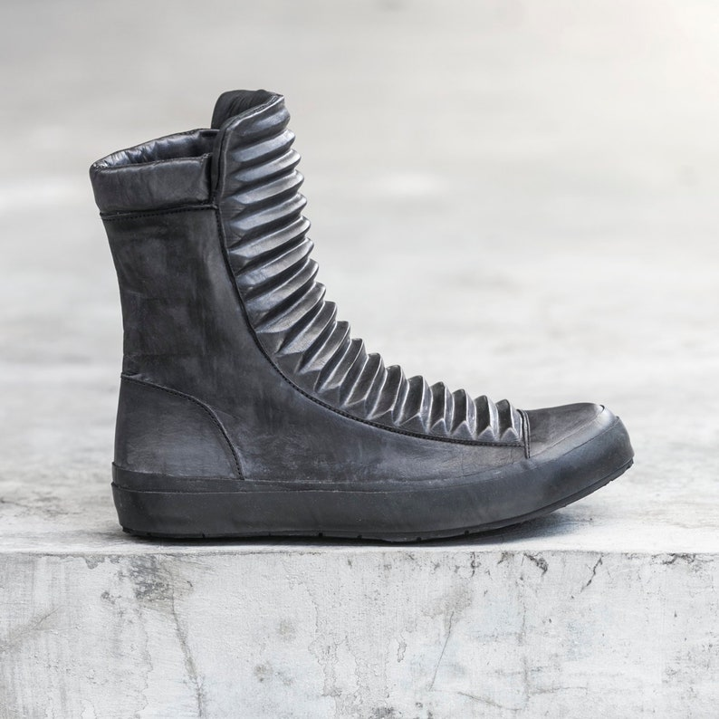 40ae5722d3e18 WOMEN'S RAZED BOOT - Ridged Black Leather Shoe - Heathen Clothing -  Military Boot - Futuristic - Hip Hop Streetwear - Recycled Tire Sole