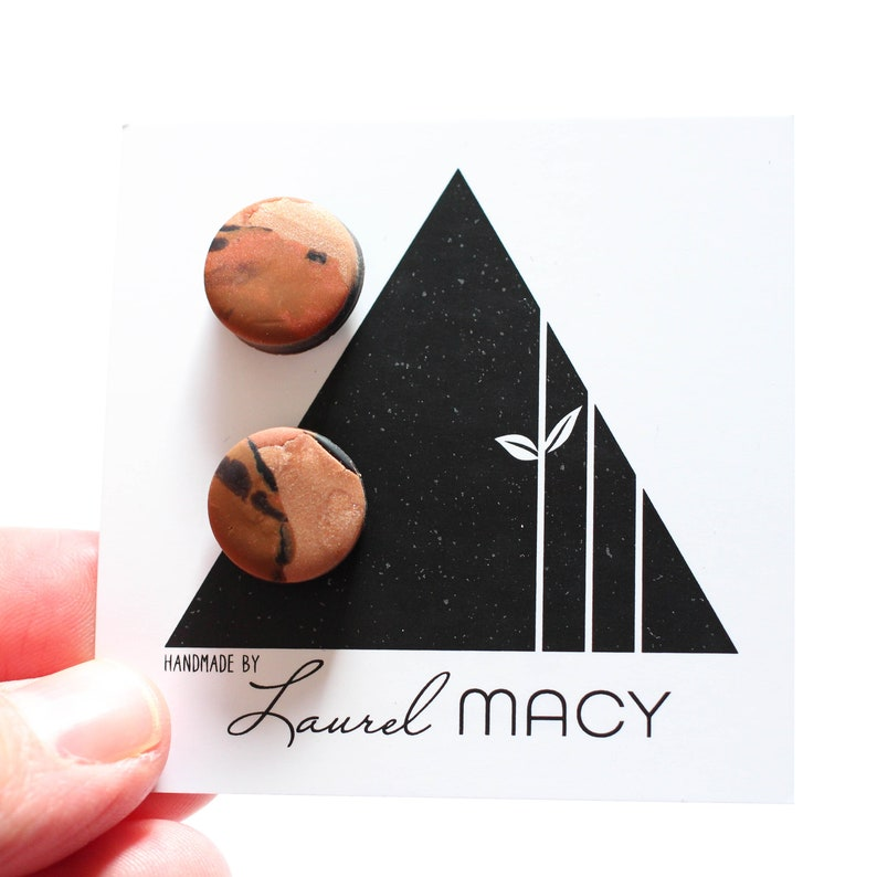 One of a Kind Laurel Macy Classic Studs Earrings 0482 Extra image 0