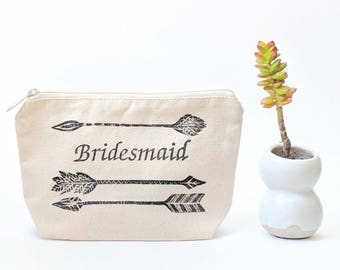 Personalized Makeup Bag Bridesmaid, Boho Bridesmaid Gift, Cosmetic Bag for Bridal Party, Thank You Gift for Wedding Party, Tribal Arrows