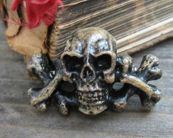 Hand cast skull and crossbones pirate pin, skull themed hat pin, hand made skull lapel pin