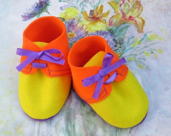 Felt Baby Shoes Pattern / Baby Shoes PDF Sewing Pattern and Tutorial - Sizes: 3 to 12 months