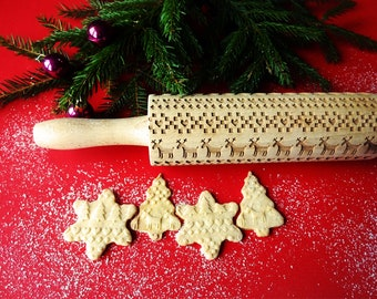 Rolling pin pastry roll with Christmas pattern