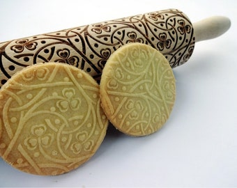 Irish knot pastry roll rolling pin with clover hearts