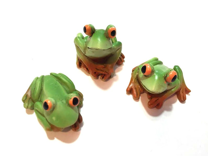 Miniature Dollhouse FAIRY GARDEN Accessories ~ Set of 3 Mini Resin Frogs ~ NEW