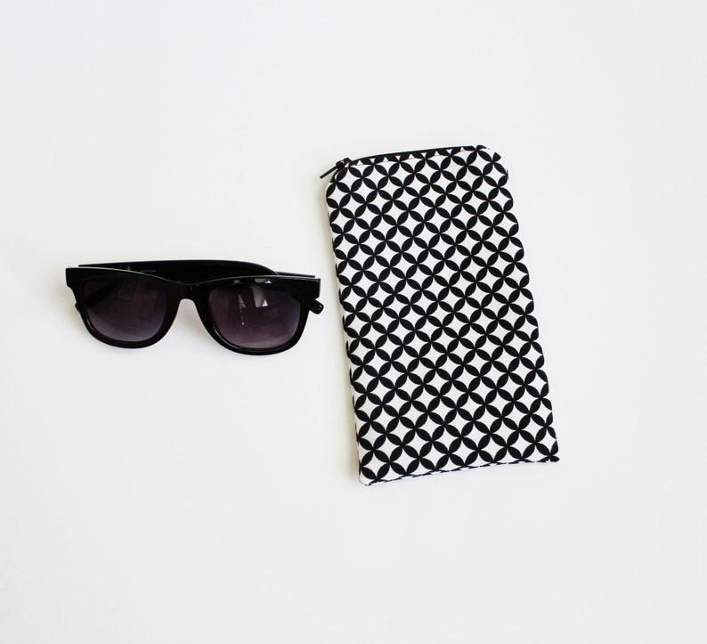 62f1507c4 Black Eyeglass Holder Padded Reading Glasses Case Sunglass | Etsy