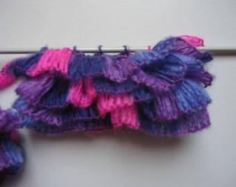 3c50303fb2e 1 écheveau 150 Gr Tourbillon 67 parme fuchsia violet pour écharpe Frou Frou
