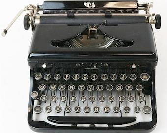Vtg 1938 Portable Black Royal O Model Touch Control Typewriter, o-750791