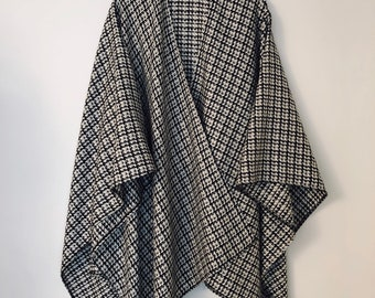 Wool Poncho Winter Blanket Capes Poncho for Men Houndstooth Wool Large Oversized Poncho Made in England Black Wool Mens Poncho Cape