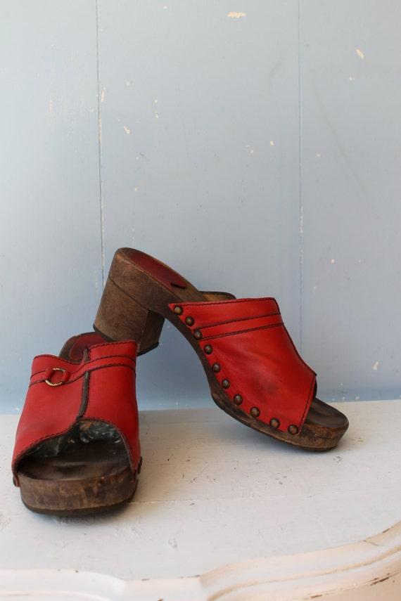 Vintage 70s Platform Clogs/Wooden Clogs/Boho/Hippi