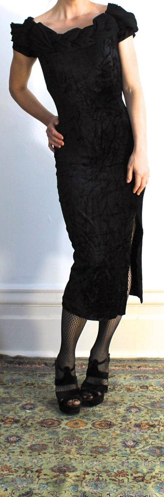 Vintage Black Crushed Velvet Body Con Dress/