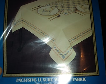 The Heritage Collection Vogart Crafts 8736B Country Cross Stitch embroidery table cloth