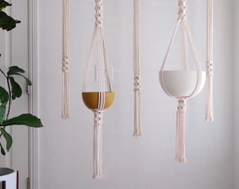 Macrame Plant Hanger Pattern / DIY Macrame Pattern / Modern Macrame Pattern / Pattern Name - Round Mesh