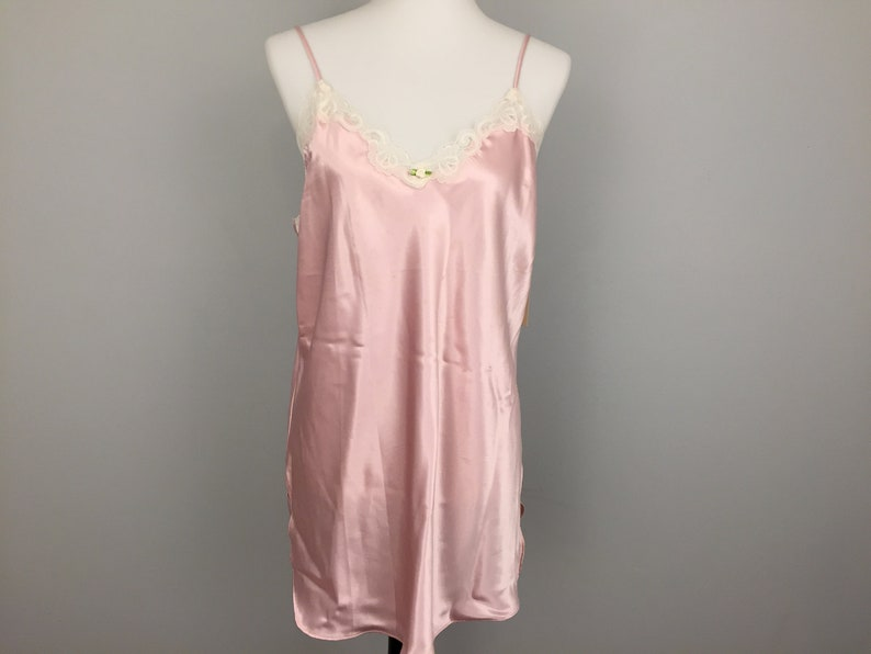 Pink Nightgown Short Gown Spaghetti Strap Gown Size Large  8ceeb56f2