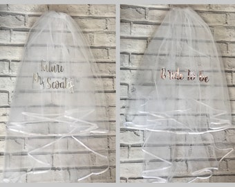 Personalised 2 Tier Hen Do Veil / White Bride To Be Accessory Future Mrs On Comb