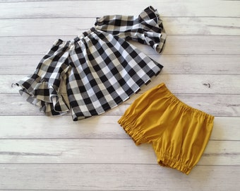 7db5cbb8d20 Mustard baby clothes    gingham outfits for baby and toddler girls    black  and white top and mustard bloomers    size 12 18mths 2T 3T 4T