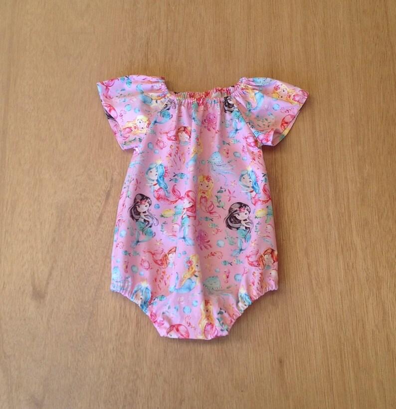 880a85df4d76 Baby Strampler / / Rosa Meerjungfrau Strampler / / Baby und | Etsy