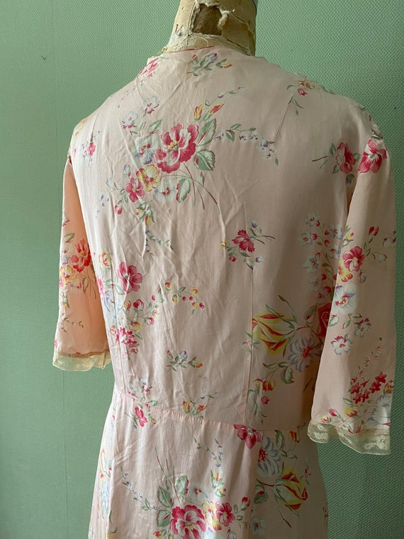 1940's cold rayon floral print robe - image 7