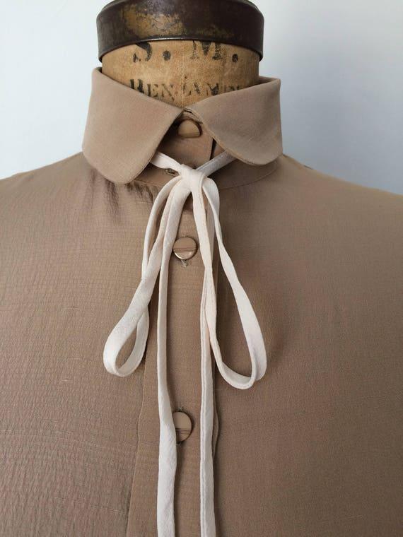 5fca2b8600ab3 Valentino Vintage Silk Womens Tie Neck Blouse w  Diamond