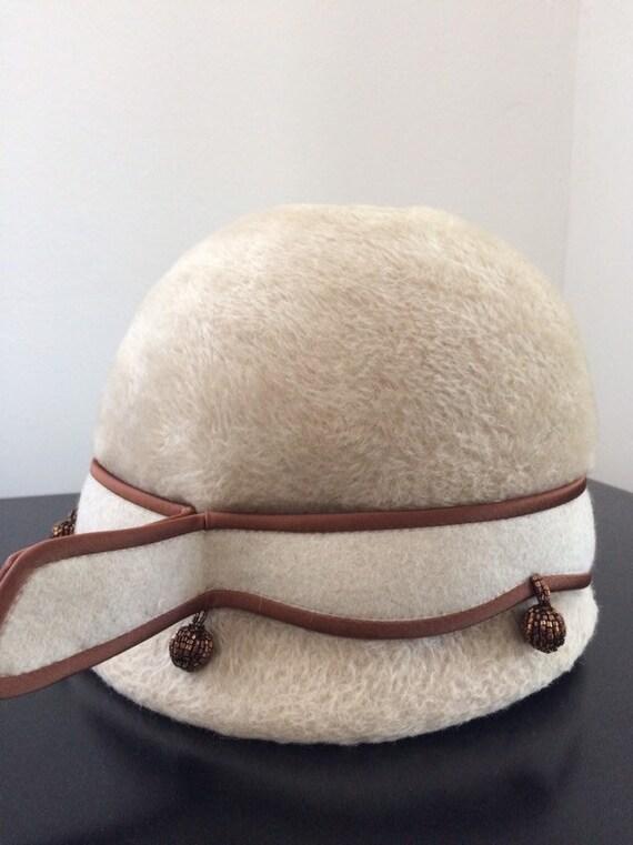 Vintage schiaparelli felt cloche hat with beaded d