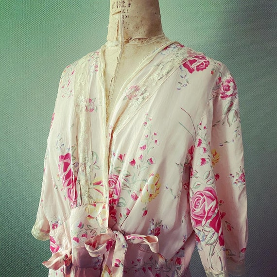 1940's cold rayon floral print robe - image 2
