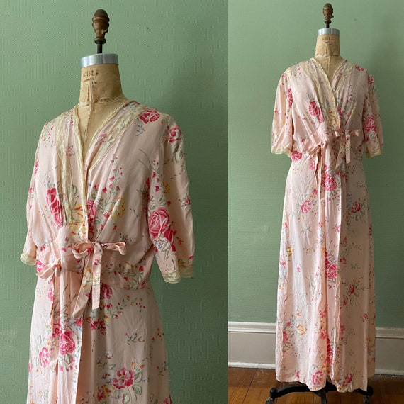 1940's cold rayon floral print robe - image 1