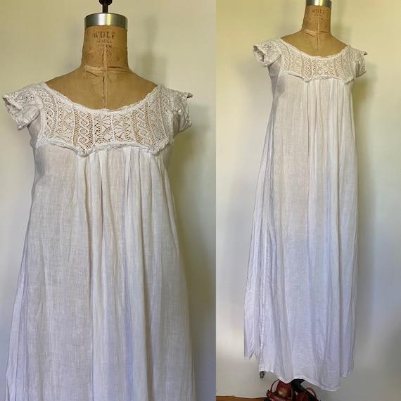 Vintage 1970s White cotton Maxi dress caftan mu mu