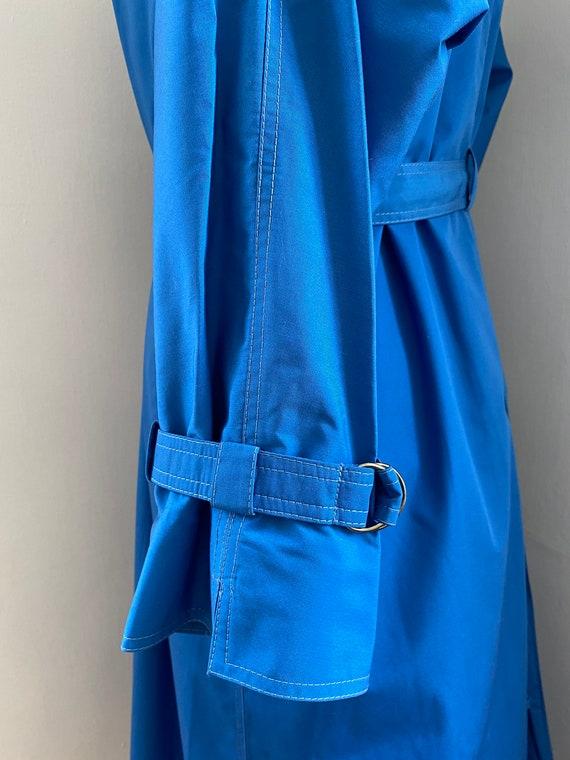Pauline Trigere vintage 1980s blue trench coat - image 7