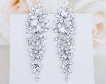 Wedding earrings,Bridal earrings,crystal earrings,bridesmaid jewelry,chandelier earrings,drop earrings,long earrings,statement earrings