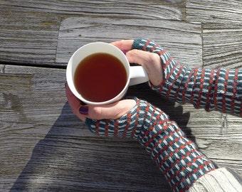 Grid - Oslo, knitted fingerless mittens