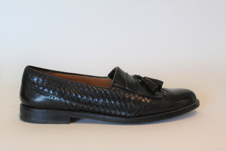 f6348e2b2d0 Vintage MEZLAN Loafers Woven Leather Dress Shoes Tasseled