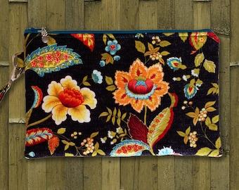 Clutch, Wristlet, Clutch Purse, Evening Bag, Bridesmaid Clutch, Zippered Bag in Midnight Flowers