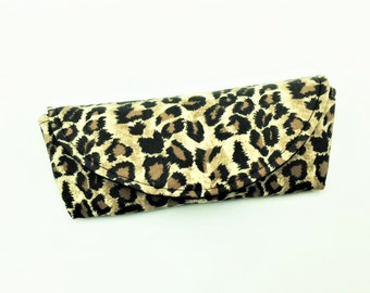 Sunglass Case, Eyeglass Case, Sunnies Case, Shades Pouch, Sunglass Pouch, Eyeglass Holder in Leopard Print