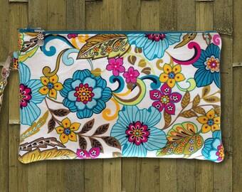 Clutch, Wristlet, Clutch Purse, Evening Bag, Bridesmaid Clutch, Zippered Bag in Summer Solstice Flowers