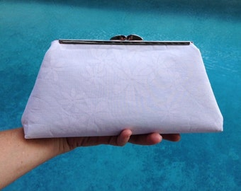 Bridal Clutch, Wedding Clutch, Kiss Lock Clutch Purse, Frame Clutch, Tropical Clutch in White Hawaiian Plumeria