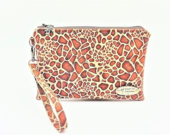Cork Clutch, Cork Handbag, Wristlet, Clutch Purse, Evening Bag, Zippered Bag in Giraffe Print