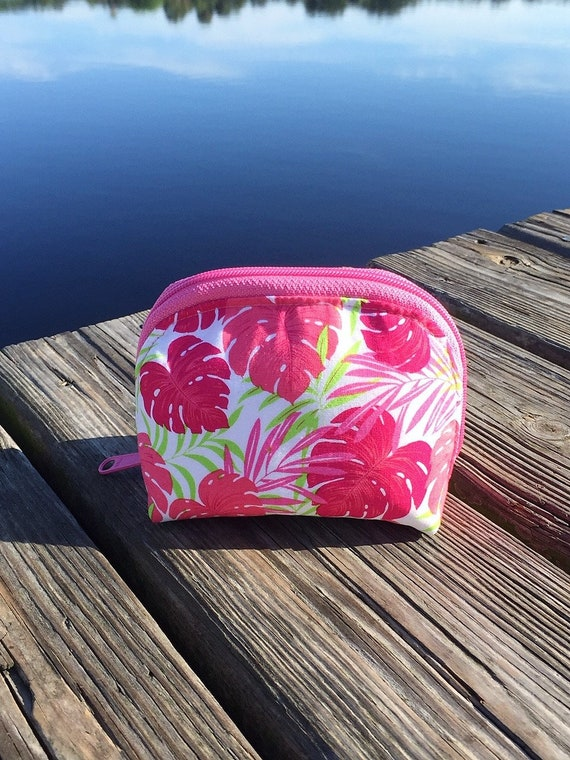 Essential Oil Bag, Essential Oil Pouch, Essential Oils Travel Pouch, Dumpling Bag, Oils Carrying Case in Bright Monstera Leaf- Small