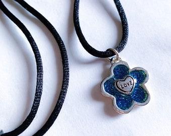 Love Heart Daisy 1990s Necklace