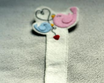 Bookmark mother bird and its chick