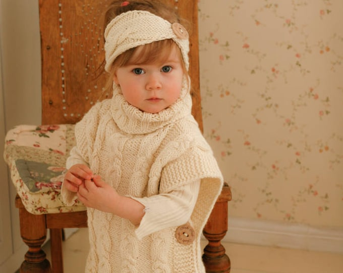 Knitted cable poncho Robyn (4-5-y-o size)