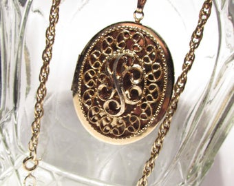 1970s Signed Sarah Coventry Locket Necklace
