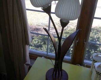 Vintage 1960s MCM Majestic Danish Teak Wood Dula Tulip Bulb Table Lamp RARE