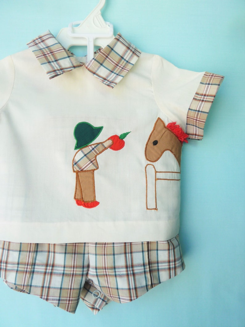 CLEARANCE--Vtg Baby Boy/'s Horse Biting Apple Shorts Set by Sugar Pops     9 Months