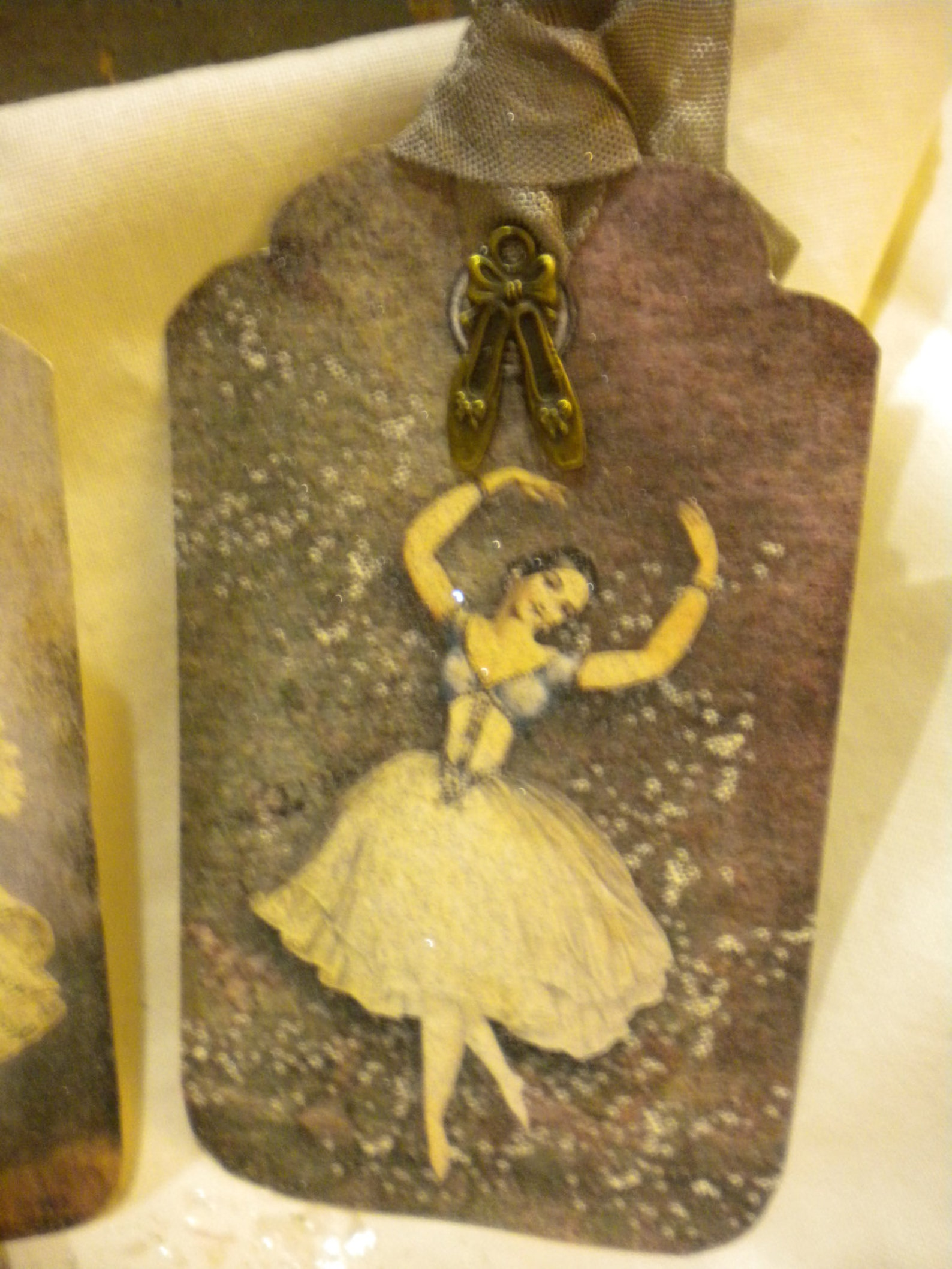 gift tags vintage ballerinas with charm of ballet shoes (6)