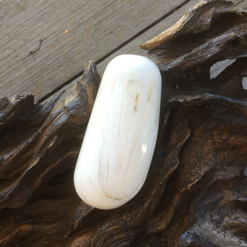 Scolecite MediationPalm Stone Inter-changeable Macramme Necklet  ~ Stone of the Heart