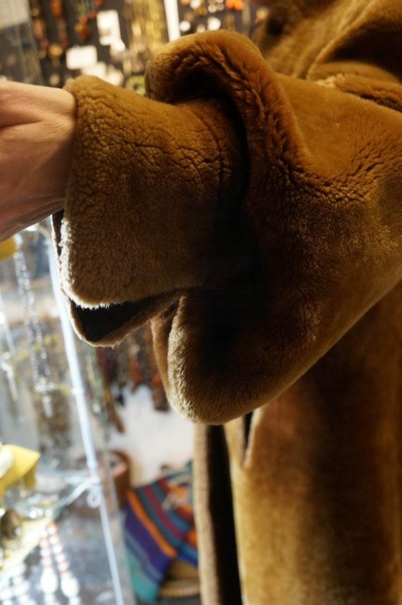 Mouton coat, 1940's, great shape, puff sleeve, sp… - image 3