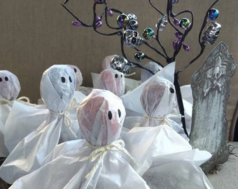 Ghosts in the Graveyard, 8  Halloween Party Favors, Housewarming Gift, Halloween Centerpiece, Halloween Party Decor, Ghost Tootsie Pops