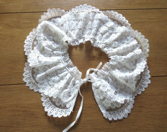 French Detachable Old Lace Collar, Ruffled Lace C… - image 8